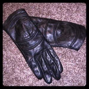 MK leather gloves